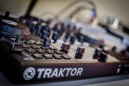 How to DJ – DJ Course 101 Photo
