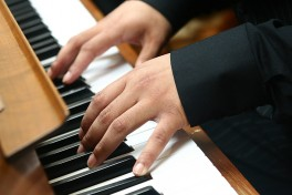 Music and Piano (Ages: 9-14) Photo
