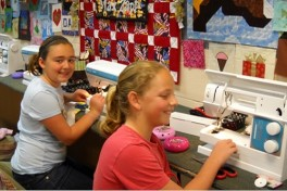 Sewing Classes for Kids (1 Hour) Photo