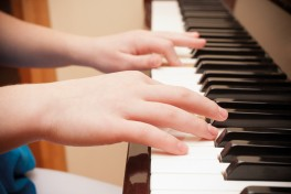 60 mins Private Piano Lesson (3.5 years and older) Photo