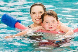 Mommy & Me Group Swimming (Ages 3-4) Photo