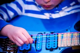 kids/kids-music/e2964be8e25d6a9d519c8d23bcb5317f.jpeg